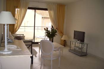 Rue Antibes Darty Suite