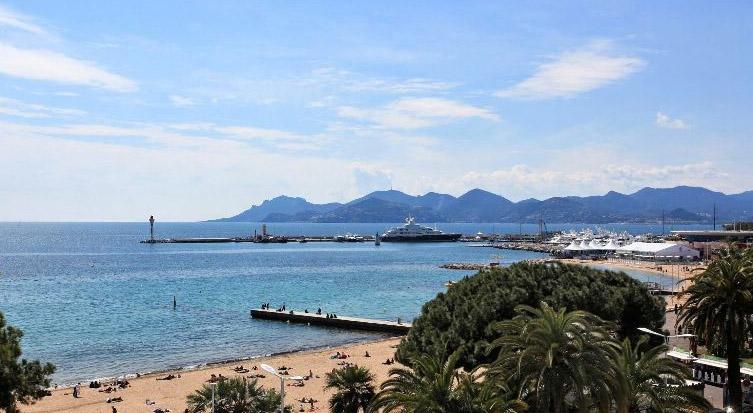 Cannes Croisette Deluxe