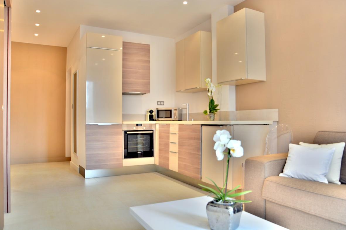 Armenonville Suite