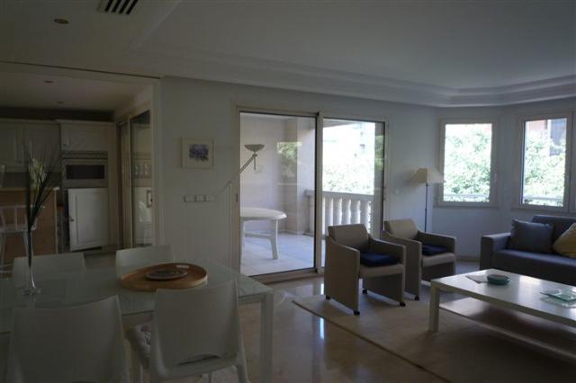 Pasteure Deluxe Suite