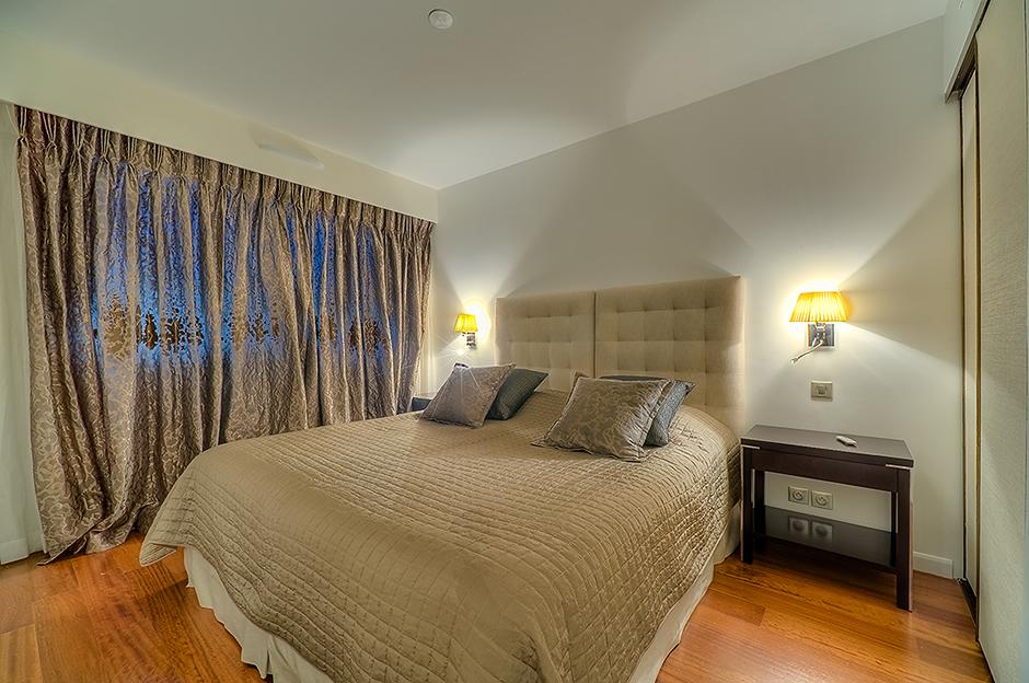 Carlton Residence 102
