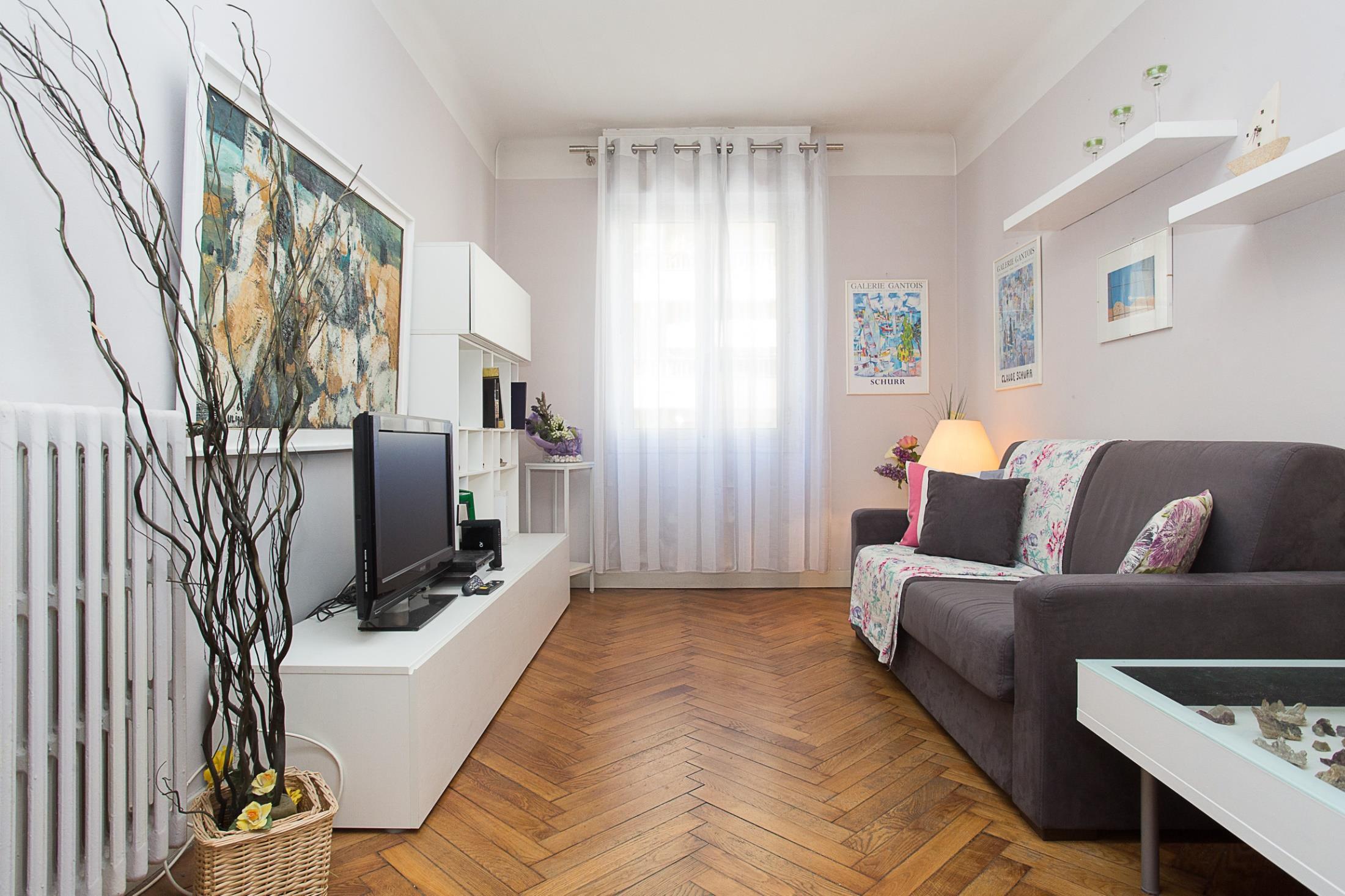 Rue Pasteur Suite 1